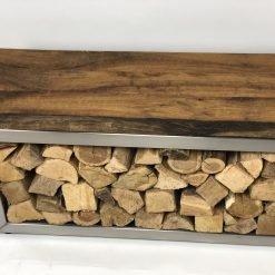 Edelstahl Sitzbank mit Holzaufbewahrung.